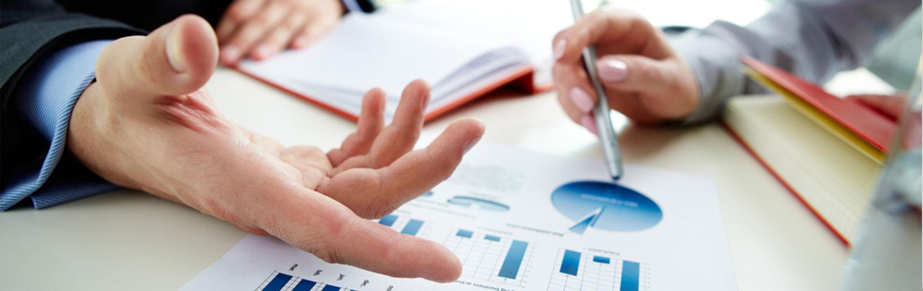 careertech-banking-financial-meeting-analysts.jpg