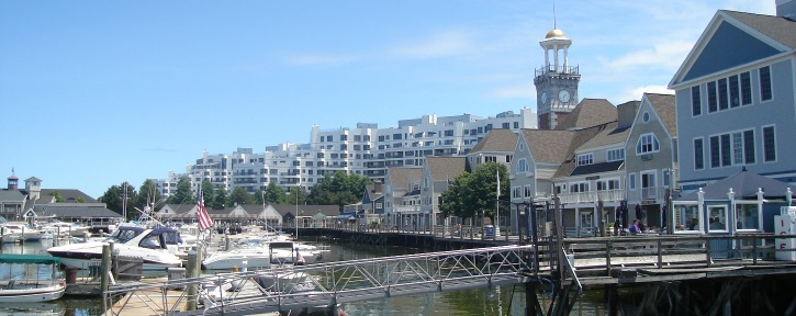 Marina_Bay_Quincy_2009.jpg
